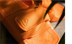 Slapi Boost Pharell Wiliams Adidas Originals